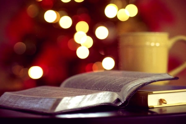 How to Keep Your Kids Reading with Amazing Christmas Stories